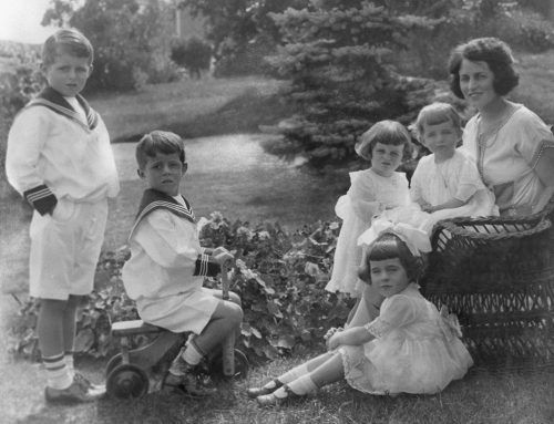 Rose Kennedy with Family – 1923